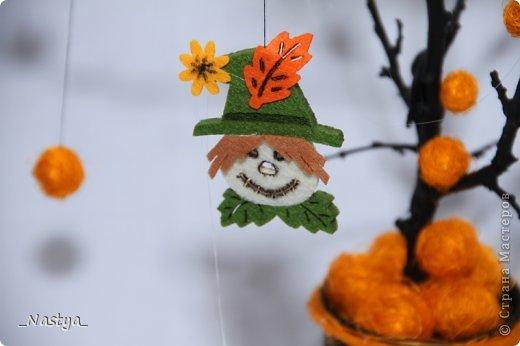 Почему-то нет Хелоуина в списке событий....  Вот такое деревцо на Хелоуин - как декор на стол. Намечается вечеринка по этому поводу, вот и украшаю по чуть-чуть квартиру. фото 8