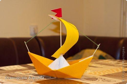Кораблик из бумаги с парусом своими руками