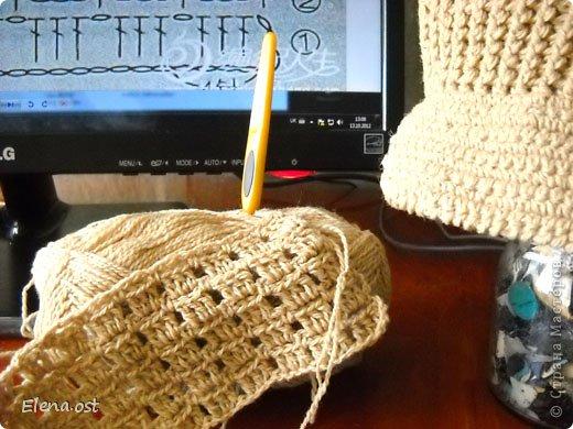Осенний комплект для любимого. Кепка связана по классическому описанию шапочки столбиками с накидом и рельфным столбиком в конце каждой прибавки. Околышек связан резинкой из рельефных столбиков. Козырек из столбиков без накида. Пряжи ушло 200 г, крючок №2 для кепки, № 2.75 (clover) - для шарфа. фото 10