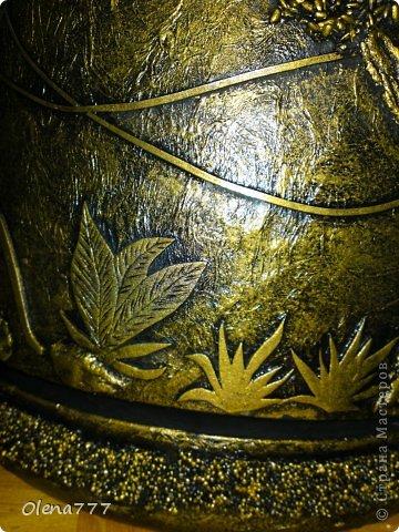"""Доброго дня и ночи, жители и гости Страны Мастеров! А у меня опять цветочный горшок-""""Джунгли"""". Выполнен в той же технике, как ваза """"Саванна"""". Высота горшка-32см, диаметр-30см. Главная проблема заключалась в том, что горшок с пальмой (ей почти 11 лет), а пальма выросла так, что уперлась в потолок!!! Поэтому работать пришлось в положении лежа или полулежа, словом, ползала по-пластунски вокруг горшка!!!!!! Я настолько рада окончанию работы, что даже не знаюб хорошо у меня получилось или нет! А получилось вот что: фото 6"""