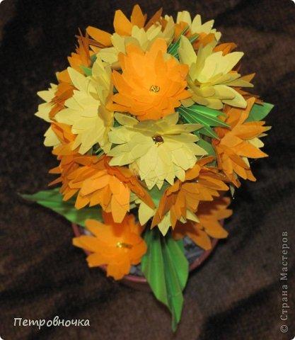 Эти топиарии я сделала сегодня вечером. Теперь повторила цветы из цветной ксероксной бумаги. фото 3