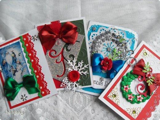 Добрый день!  Хочу показать вам мои новогодние открыточки, в них я использовала самодельные плетеные веночки, я думаю в ближайшее время я сделаю МК .