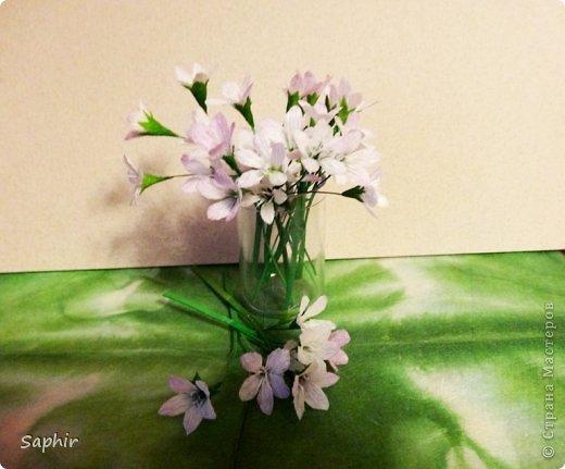 Маленькие цветочки из  бумаги Кристал.  фото 1