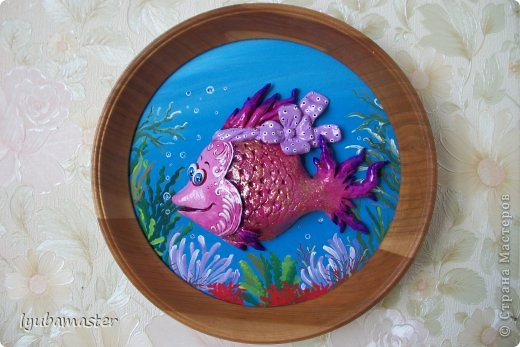 И снова я с рыбками.В море,океане....Диамер рамки- 22,5см.Рыбка 16х11 см.