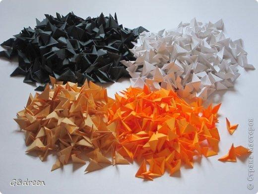 Наконец я выделила свободное время и заняла его непосредственно изготовлением этой Кисули. Это мой первый мастер-класс и я надеюсь что он будет понятен даже новичкам в искусстве модульного оригами. фото 2