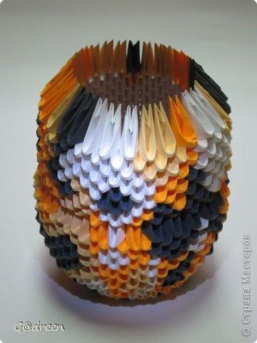 Наконец я выделила свободное время и заняла его непосредственно изготовлением этой Кисули. Это мой первый мастер-класс и я надеюсь что он будет понятен даже новичкам в искусстве модульного оригами. фото 17