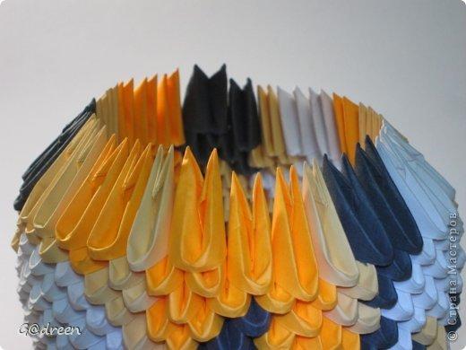 Наконец я выделила свободное время и заняла его непосредственно изготовлением этой Кисули. Это мой первый мастер-класс и я надеюсь что он будет понятен даже новичкам в искусстве модульного оригами. фото 18