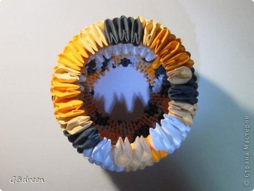Наконец я выделила свободное время и заняла его непосредственно изготовлением этой Кисули. Это мой первый мастер-класс и я надеюсь что он будет понятен даже новичкам в искусстве модульного оригами. фото 21