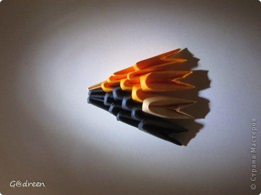 Наконец я выделила свободное время и заняла его непосредственно изготовлением этой Кисули. Это мой первый мастер-класс и я надеюсь что он будет понятен даже новичкам в искусстве модульного оригами. фото 26