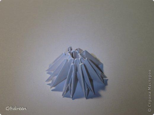 Наконец я выделила свободное время и заняла его непосредственно изготовлением этой Кисули. Это мой первый мастер-класс и я надеюсь что он будет понятен даже новичкам в искусстве модульного оригами. фото 30
