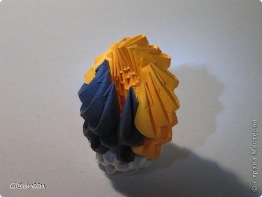 Наконец я выделила свободное время и заняла его непосредственно изготовлением этой Кисули. Это мой первый мастер-класс и я надеюсь что он будет понятен даже новичкам в искусстве модульного оригами. фото 32
