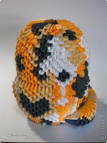 Наконец я выделила свободное время и заняла его непосредственно изготовлением этой Кисули. Это мой первый мастер-класс и я надеюсь что он будет понятен даже новичкам в искусстве модульного оригами. фото 38