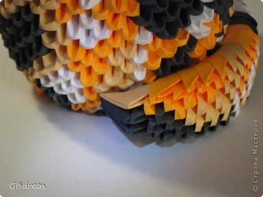 Наконец я выделила свободное время и заняла его непосредственно изготовлением этой Кисули. Это мой первый мастер-класс и я надеюсь что он будет понятен даже новичкам в искусстве модульного оригами. фото 39