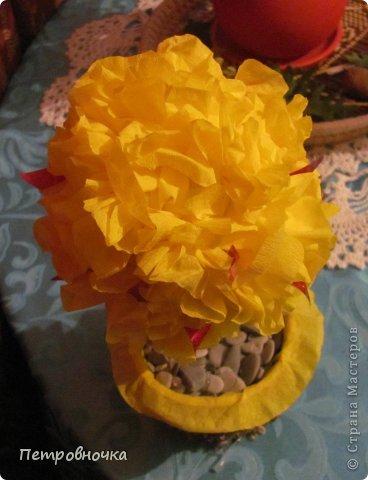 Эти топиарии я сделала сегодня вечером. Теперь повторила цветы из цветной ксероксной бумаги. фото 10