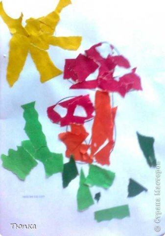 Доброе время суток, всем кто заглянул в гости! Моей дочери 2года 3 месяца. Она очень любит творить и вытворять))))). Вот что у нас получилось. В инете  я нашла и распечатала раскраски для малышей. Дочь рвала цветную бумагу и клеила сама к картинкам. Травка и солнышко- ее идея. фото 1