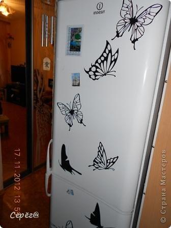 Декор предметов Мастер-класс Аппликация Бабочки на холодильнике Бумага Клеёнка фото 4