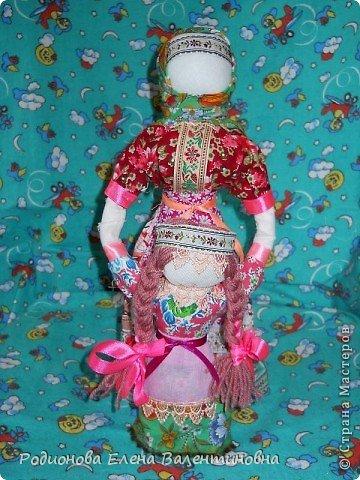 """Это кукла """"Девка  - Баба"""". Кукла готовила девочку к взрослой жизни, показывая, что не всегда жизнь будет беспечной. Кукла Девка - Баба представляет собой куклу - перевертыш. (Сторона """"Девка"""") фото 14"""