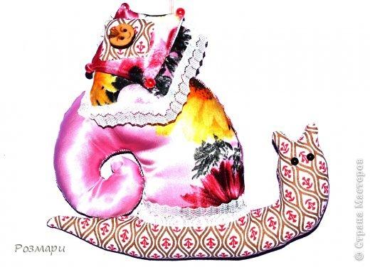 Улитки для благотворительной ярмарки. Это Гламурка, она любит аксессуары, все блестящее и розовый цвет фото 6