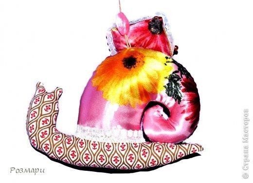Улитки для благотворительной ярмарки. Это Гламурка, она любит аксессуары, все блестящее и розовый цвет фото 8