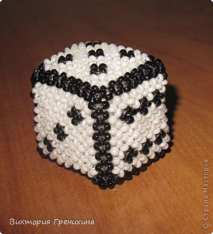 Кубик из бисера Бисер фото