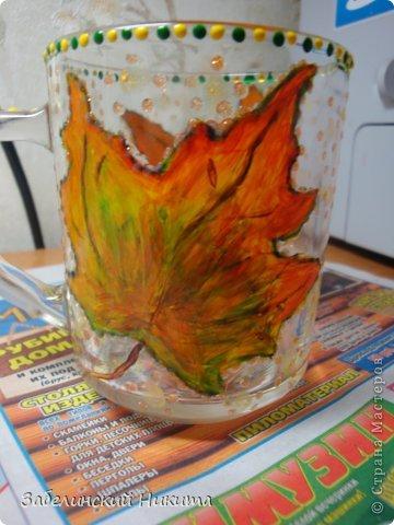Роспись бокала для глинтвейна в технике point-to-point акриловыми контурами по стеклу и керамике. фото 2