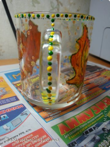 Роспись бокала для глинтвейна в технике point-to-point акриловыми контурами по стеклу и керамике. фото 5