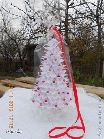 Все кучкой) небольшой заказик на ёлочки. высота 30 см, внутрь положат конфеты)  фото 6