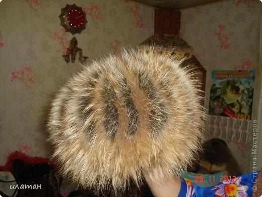 Вот такую шапочку предлагаю сегодня пошить.А решила я её сделать после того как моя мама купила себе почти такую же. Фото я выложу в конце. Шапка мне очень понравилась, но цена на неё уж очень для меня кусучая 100 у.е. фото 18