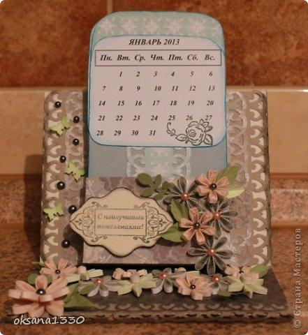 Поделка изделие Квиллинг Настольный календарь Бумага