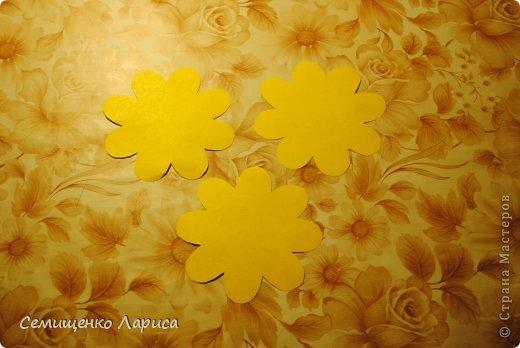 Ко Дню матери мы с учениками младших классов делали объёмную открытку с распускающимся цветком. Предлагаю мастер класс. фото 4