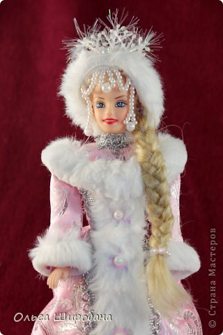 """Доброго времени суток, дорогие мастерицы. Выставляю обещанный мк по изготовлению куклы-шкатулки """"Снегурочка""""Фотографий будет ооочень много, так что запаситесь терпением. Вообще-то надо бы сделать больше фото,но часть работы выполнялась ночью при плохом освещении фото 29"""