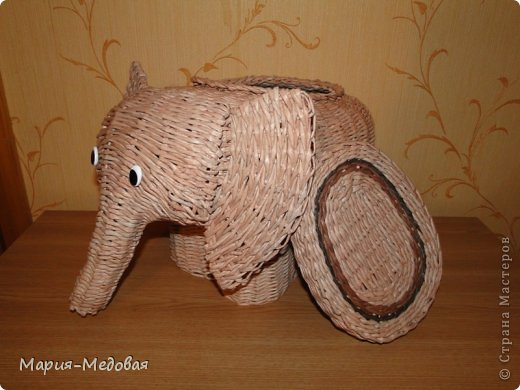 Поделка изделие Плетение Плетёный слоник мини мк Бумага газетная Трубочки бумажные фото 2