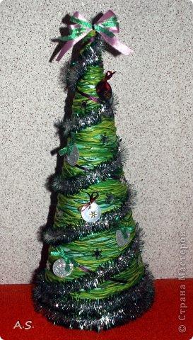 """Готовимся с ребятами к Рождеству. Оформляли выставку в витрине нашего краеведческого музея. Часть работ прошлогодняя, ну и новые, конечно, сделали. Идей было много - не всё успели:))) Это """"Рождественская композиция"""" Никиты, 6 лет фото 3"""