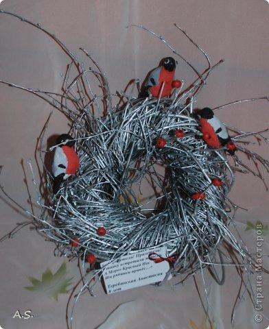 """Готовимся с ребятами к Рождеству. Оформляли выставку в витрине нашего краеведческого музея. Часть работ прошлогодняя, ну и новые, конечно, сделали. Идей было много - не всё успели:))) Это """"Рождественская композиция"""" Никиты, 6 лет фото 8"""
