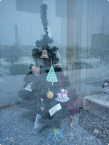 """Готовимся с ребятами к Рождеству. Оформляли выставку в витрине нашего краеведческого музея. Часть работ прошлогодняя, ну и новые, конечно, сделали. Идей было много - не всё успели:))) Это """"Рождественская композиция"""" Никиты, 6 лет фото 20"""