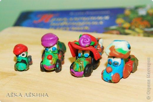 Еще одна открыточка Сашика на НГ))) делал ну почти сам...немного помогала. фото 4