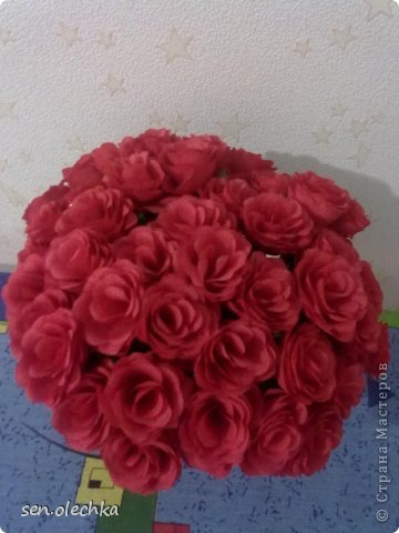 Цветы из гофрированной бумаги для топиарий своими