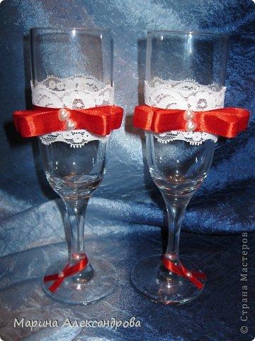 Декор предметов Свадьба Аппликация Фужеры Бусины Кружево Ленты Стекло фото 2