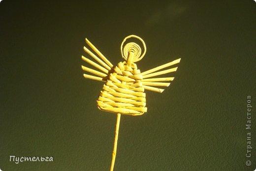 """На новогодней благотворительной ярмарке """"Душевный базар"""" все, кто пришёл на мастер-класс, хотели сделать маленького ангела. Я научилась делать его у Иры Далибожик из Львова. И теперь покажу вам..."""