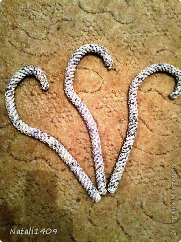 Мастер-класс Поделка изделие Плетение Подставочка под цветы Бумага газетная Металл Трубочки бумажные фото 5