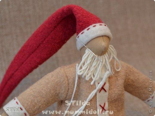 """Мастер-класс по изготовлению куклы тильды - Санта Клауса """"Заграничный Дед Мороз нам подарочки принес...""""  фото 15"""