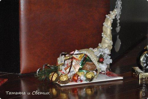 Рог внутри полый и наполнен чаем и конфетами... фото 2
