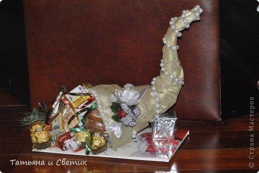 Рог внутри полый и наполнен чаем и конфетами... фото 3