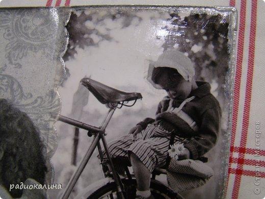 Очень трепетно отношусь к черно-белым фотографиям: сама еще девчонкой фотографировала подаренным фотоаппаратом и потом проявляла пленки, печатала фотографии и были они черно-белыми. В этой серии обложек я не пошла проторенным путем просто использовать салфетки или распечатки. Мне понравились в журнале обложки с фотографиями красавиц прошлого века, журнал был глянцевый и запала мне мысль использовать эти картинки для декупажа. фото 3
