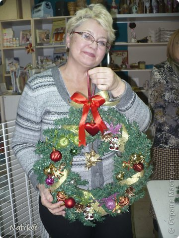 Только на такой веночек у меня хватило времени для себя любимой, хотя и давала МК в своём городе рождественского венка из ели. фото 11