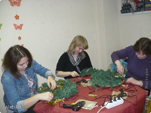 Только на такой веночек у меня хватило времени для себя любимой, хотя и давала МК в своём городе рождественского венка из ели. фото 8