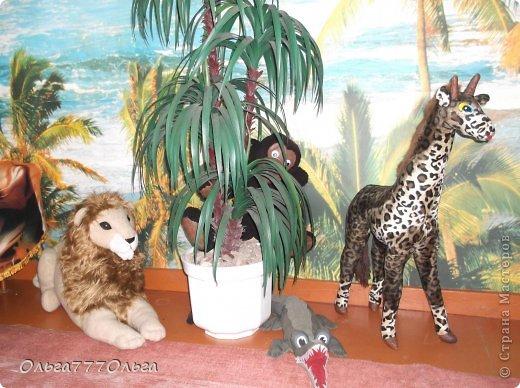 Мои мягкие игрушки. Эта обезьянка эксклюзивная.  Висяче-бнимачая, очень теплая и мягкая. На проволочном каркасе. Высота игрушки 120 см. фото 7