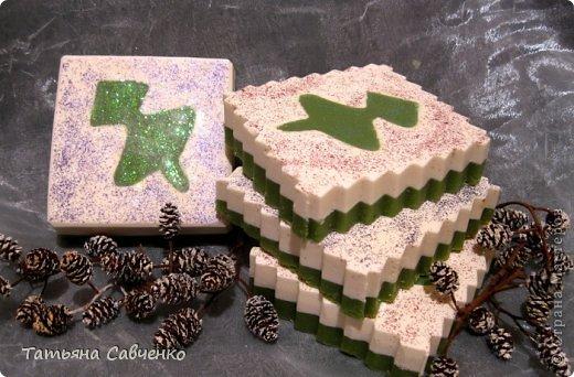 Взбитое ХС. Состав: оливковое, пальмовое, пальмоядровое, кокосовое, масло какао нераф., касторовое, стеариновая кислота.  Эфирные масла можжевельника, розмарина, бергамота зеленого. фото 9