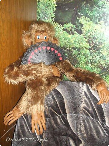 Мои мягкие игрушки. Эта обезьянка эксклюзивная.  Висяче-бнимачая, очень теплая и мягкая. На проволочном каркасе. Высота игрушки 120 см. фото 1