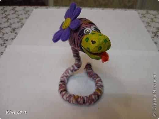 Ну вот наконец-то и я змеюшек сотворила! За идею спасибо Ола-Ола! Фантазия у нее обалденная! Вот увела змейку и себе сделала!  фото 7
